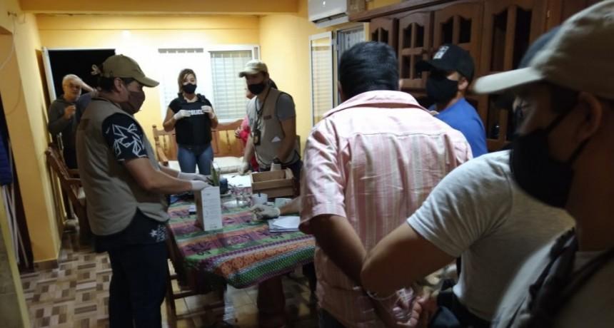 LOS JUGADORES DE LA SALA CLANDESTINA INTENTARON DARSE A LA FUGA PERO FUERON TODOS DETENIDOS
