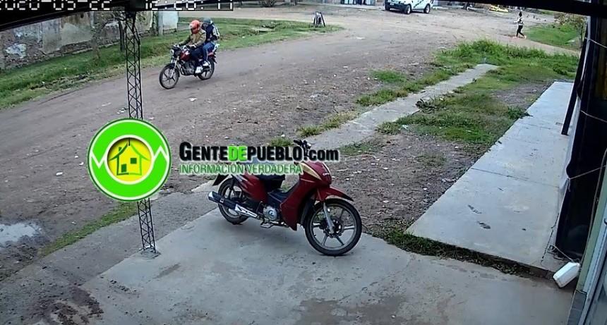 VECINOS PERSIGUIERON  A MOTOCHORROS POR LA CIUDAD