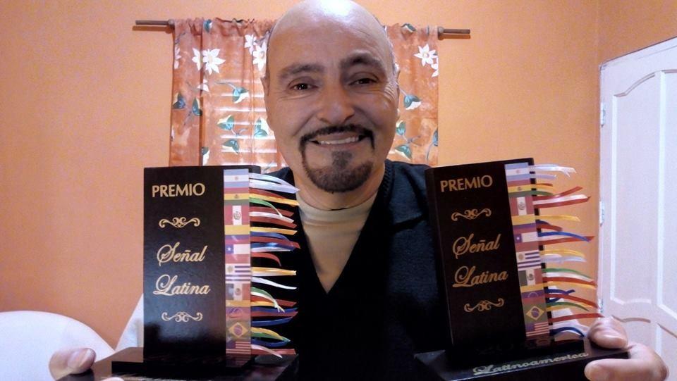 DOS PREMIOS LATINOAMERICANOS PARA EL CANTANTE SANBERNARDINO RUBÉN ARCE