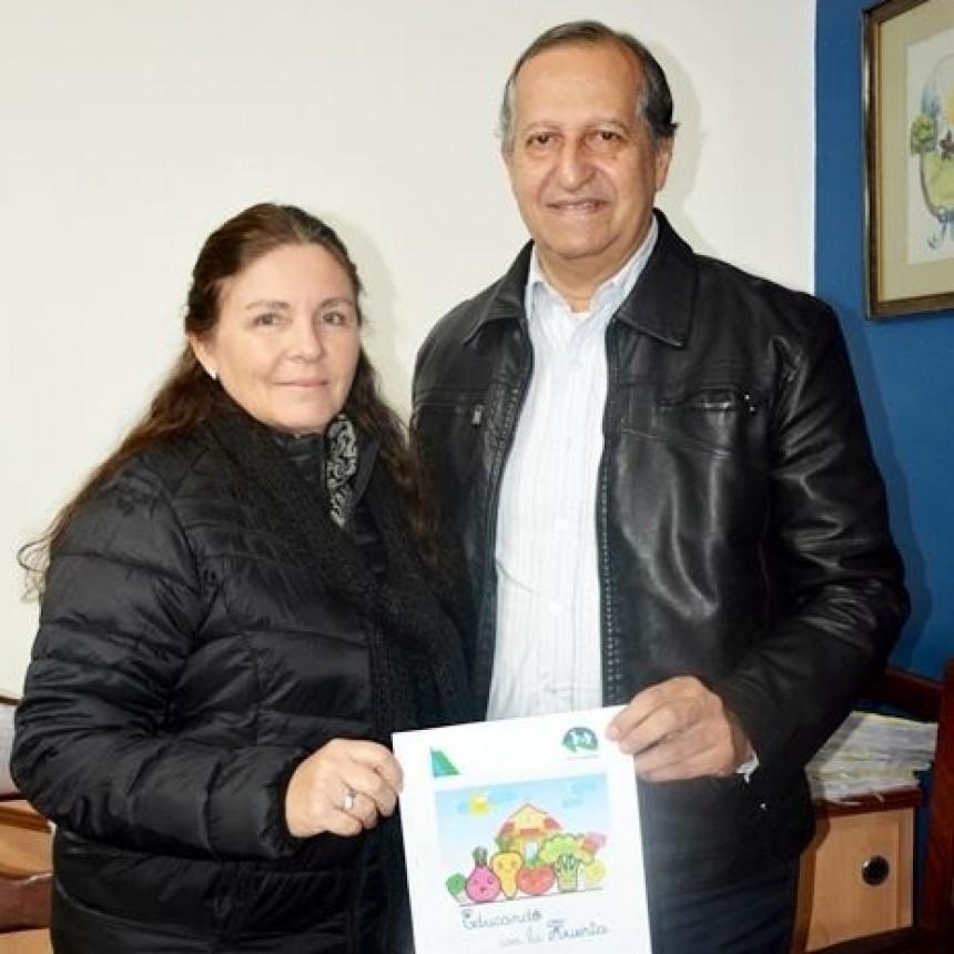 MUNICIPIO Y MINISTERIO DE PRODUCCIÓN ARTICULAN CHARLAS DE CAPACITACIÓN PARA CREACIÓN DE HUERTAS FAMILIARES ORGÁNICAS