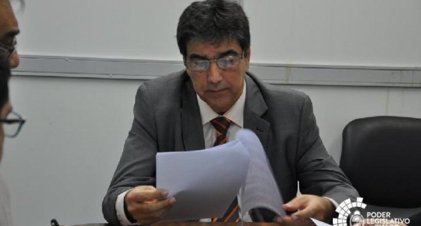 LA COMISIÓN INVESTIGADORA RECEPCIONÓ LA DENUNCIA CONTRA EL MINISTRO FABIAN  ECHEZARRETA