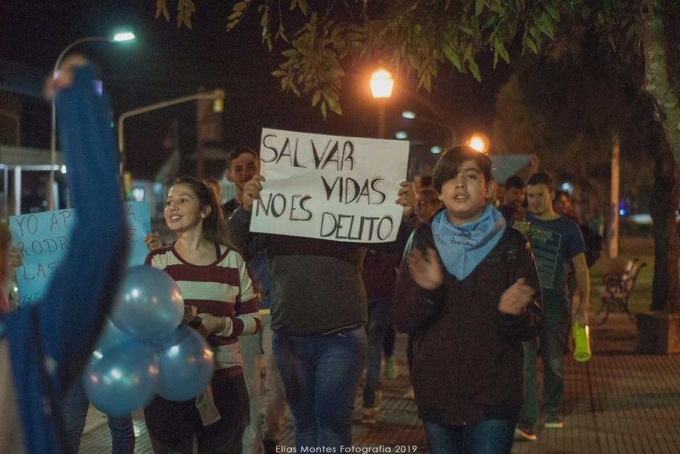 VILLA ÁNGELA MARCHO POR LA ABSOLUCIÓN DEL GINECOLOGO RODRIGO LASTRA