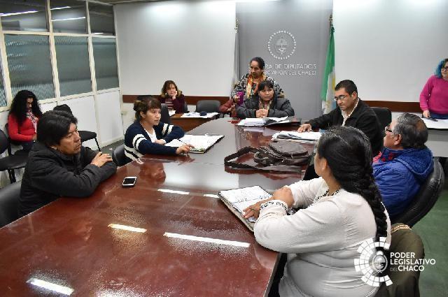 GONZÁLEZ Y CHAROLE RECIBIERON A FUNCIONARIOS Y REFERENTES INDÍGENAS
