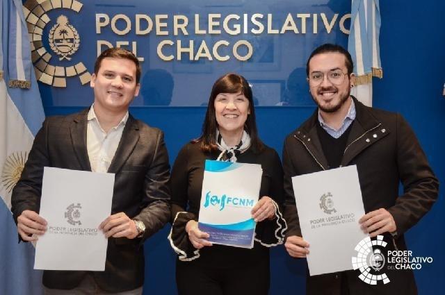 CUESTA RECONOCIÓ A LOS JÓVENES QUE REPRESENTARÁN AL CHACO EN LA ASAMBLEA DE LA OEA EN COLOMBIA
