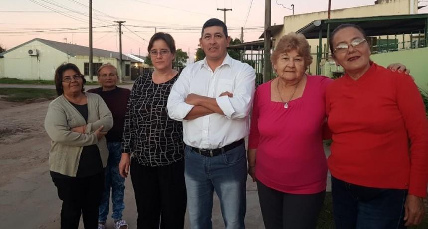 VECINOS AUN NO TERMINAN DE PAGAR LA CUOTA DE EL ASFALTO Y YA SE ROMPIO