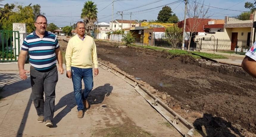 """""""EL PAVIMENTO DE LA ESCUELA ZAPICO ES UNA OBRA PRIORITARIA PARA NUESTRO GOBIERNO"""""""