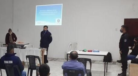 EFECTIVOS POLICIALES RECIBIERON UNA CHARLA DE CAPACITACIÓN Y CONTENCIÓN EN TIEMPO DE PANDEMIA