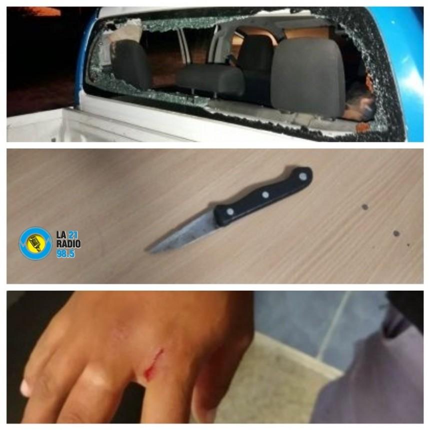 CON GOMERAS, BALINES Y CUCHILLO ATACARON A DOS EFECTIVOS POLICIALES