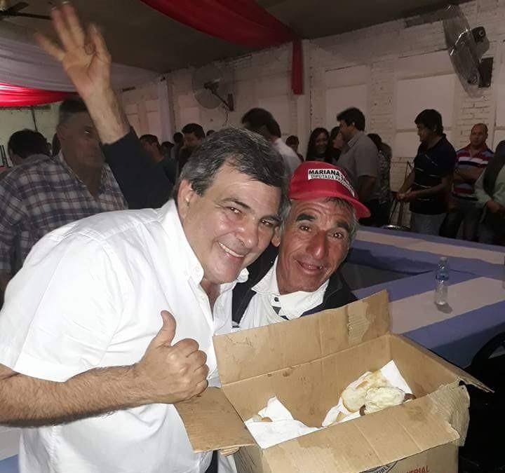 """PECHE """"FERRER ES MINISTRO DE INDUSTRIA Y EL PARQUE INDUSTRIAL DE VILLA ANGELA ESTA ABANDONADO Y LLENO DE YUYOS"""""""