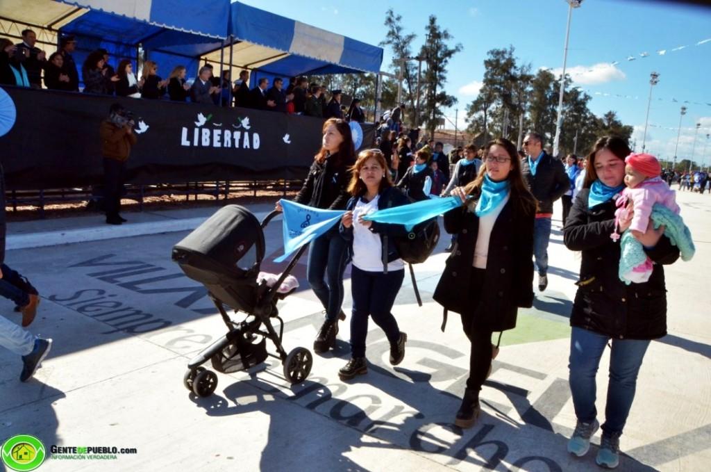 VECINOS DESFILARON EN CONTRA DEL PROYECTO DE LEY DE DESPENALIZACIÓN DEL ABORTO