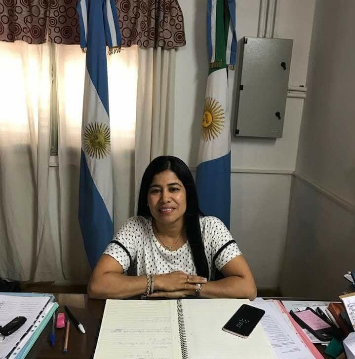 """SILVIA LEIVA: """"ALDO, MAÑANA SE VA A REUNIR CON LOS DIRECTORES Y VICE DIRECTORES Y LES VA A EXPLICAR SOBRE EL TEMA COMEDORES"""""""