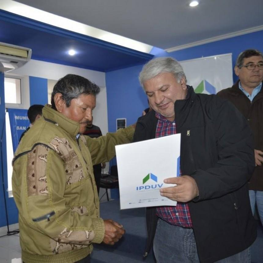 FAMILIAS DE SAN BERNARDO RECIBIERON SUS TÍTULOS DE PROPIEDAD