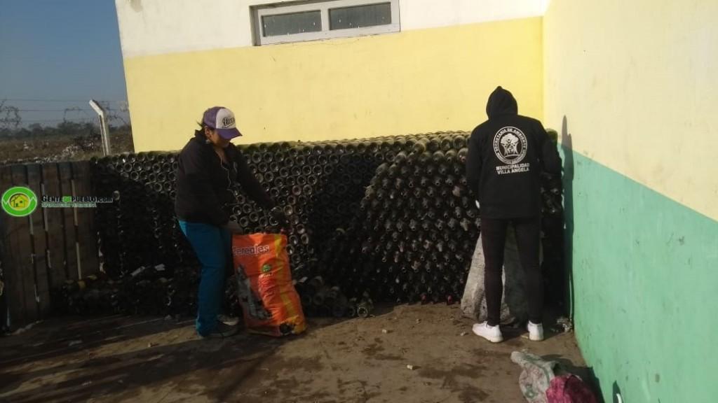 DESDE LA GIRSU SE CONCRETO LA VENTA DE 8.500 BTELLAS DE VIDRIOS RECICLADAS