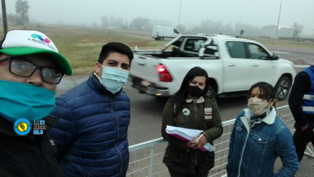 PERSONAL DEL AREA DE DEPORTES TRABAJA EN LOS DOS CONTROLES DE ACCESO A LA CIUDAD