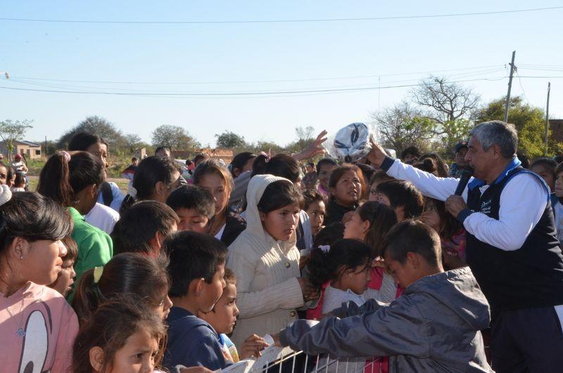 CON RECURSOS PROPIOS EL MUNICIPIO SIGUE AGASAJANDO A LOS NIÑOS DE LA CIUDAD