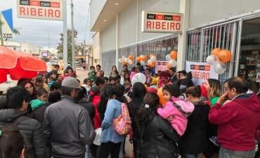 RISAS, PREMIOS Y MUCHA ALEGRIA EN EL FESTEJO PARA LOS NIÑOS DE RIBEIRO