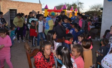 LOS NIÑOS DEL SECTO K RECIBIERON EL FESTEJO DE LA MANO DEL GRUPO DE EPIDEMIA SOLIDARIA