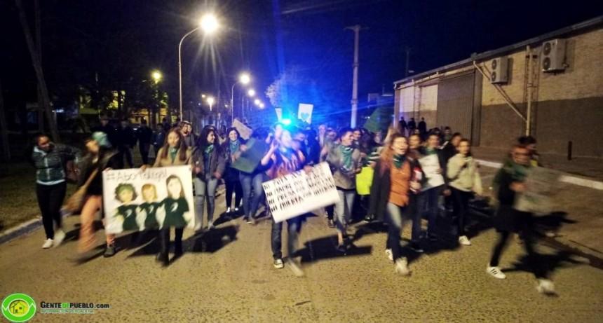 MUJERES VILLANGELENSE SE MANIFESTARON POR LAS CALLES DE LA CIUDAD EN FAVOR DE LA LEGALIZACION DEL ABORTO