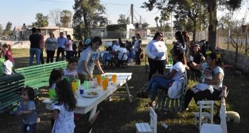CON APOYO DEL MUNICIPIO, EL CIF N° 3 FESTEJÓ SU ANIVERSARIO Y EL DÍA DEL NIÑO MAS 150 NIÑOS