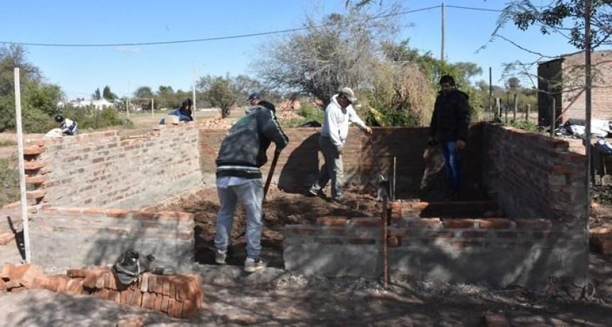 CON FONDOS PROPIOS EL MUNICIPIO CUMPLE CON LA CONSTRUCCIÓN DE AYUDAS HABITACIONALES