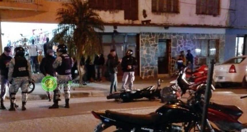 MOTOCHORROS OCASIONAN UN ACCIDENTE CUANDO ERAN SEGUIDOS POR EL PERSONAL DEL C.O.M