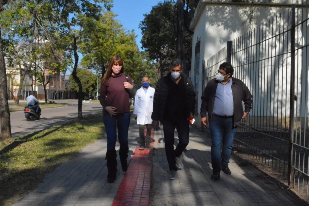 EQUIPOS DE LOS HOSPITALES PERRANDO Y 4 DE JUNIO FORTALECEN TRABAJO CONJUNTO PARA LA ATENCIÓN Y CUIDADO DE PACIENTES COVID-19
