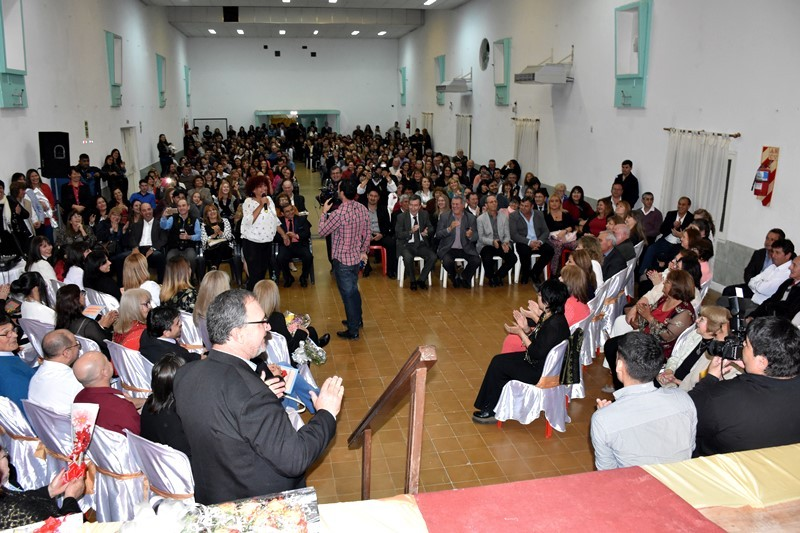 EL MUNICIPIO DE VILLA ÁNGELA RECONOCIÓ LA TRAYECTORIA DE DOCENTES Y BRINDO UN HOMENAJE A DOCENTES DESTACADOS