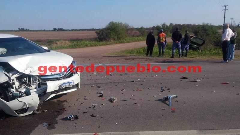 VIOLENTO ACCIDENTE EN EL CRUCE DE RUTA 95 Y AVENIDA KENNEDY