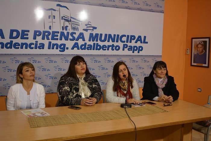 EL MUNICIPIO ORGANIZA  CHARLA SOBRE PREVENCIÓN Y DETECCIÓN DE CÁNCER DE CUELLO UTERINO