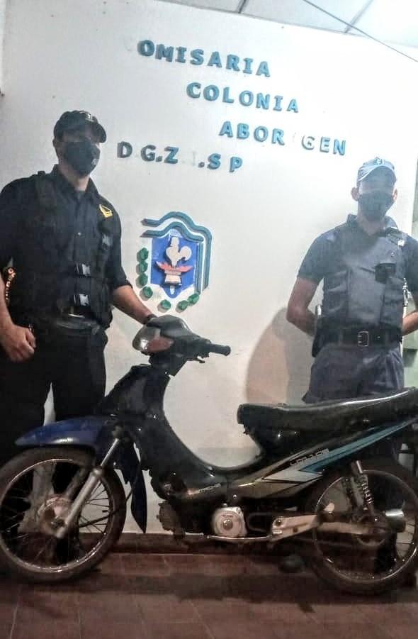PERSONAL POLICIAL DE COLONIA ABORIGEN RECUPERO UNA MOTO QUE HABÍA SIDO ROBADA EN EL AÑO 2017