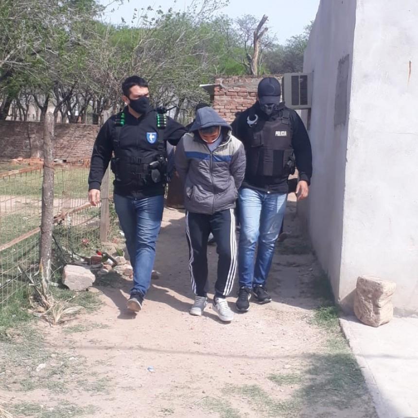 "LA POLICIA DETUVO A ""LICHITO"" QUE AMENAZABA CON TUMBERAS A SUS VECINOS"