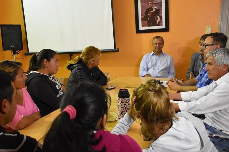 EL INTENDENTE PAPP RECIBIÓ A LOS VECINOS DE LA QUINTA 10: SE PLANTEÓ UN PALIATIVO PARA LA FALTA DE AGUA