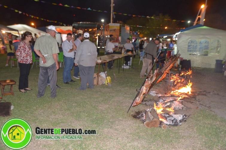 YA ESTA MARCHA LA COMPETENCIA DEL CHIVO A LA ESTACA EN LA MUESTRA DE PRODUCCIONES ALTERNATIVAS