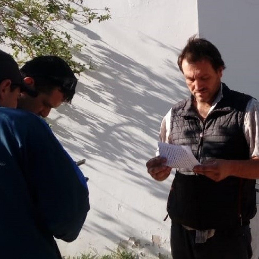 ROBAN UNA CAMIONETA EN EL CENTRO DE VILLA ÁNGELA