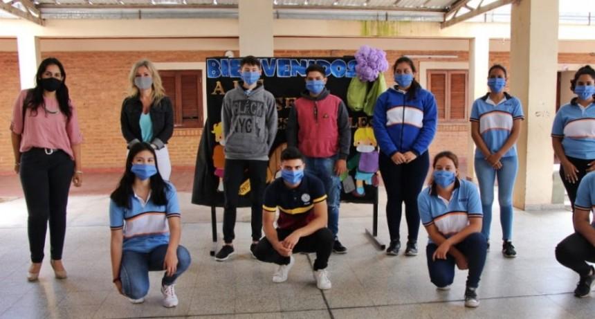 MÁS DE 70 ESTUDIANTES VOLVIERON A CLASES PRESENCIALES EN CIERVO PETISO