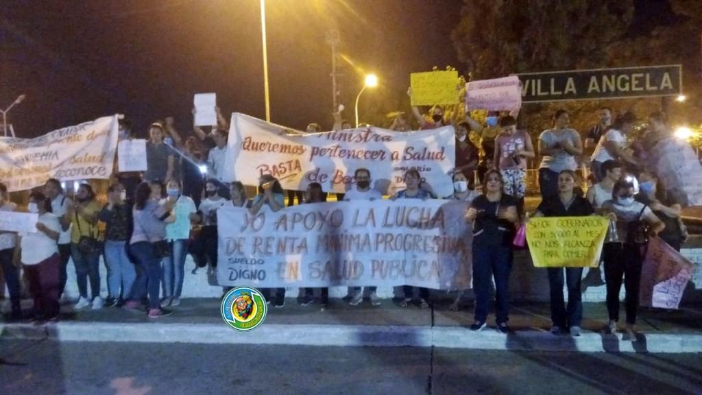 PRECARIZADOS DE RENTA MÍNIMA PROGRESIVA SE MANIFESTARON POR LAS CALLES DE LA CIUDAD