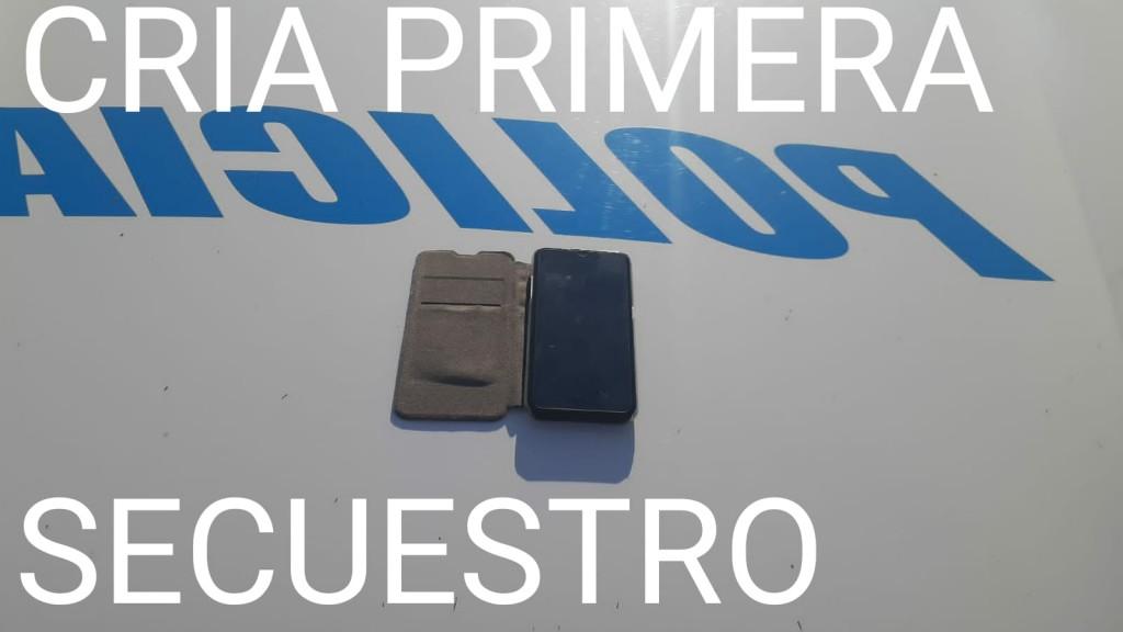 DEJO SU TELÉFONO OLVIDADO EN EL CAJERO PERO PERSONAL POLICIAL SE LO RECUPERO