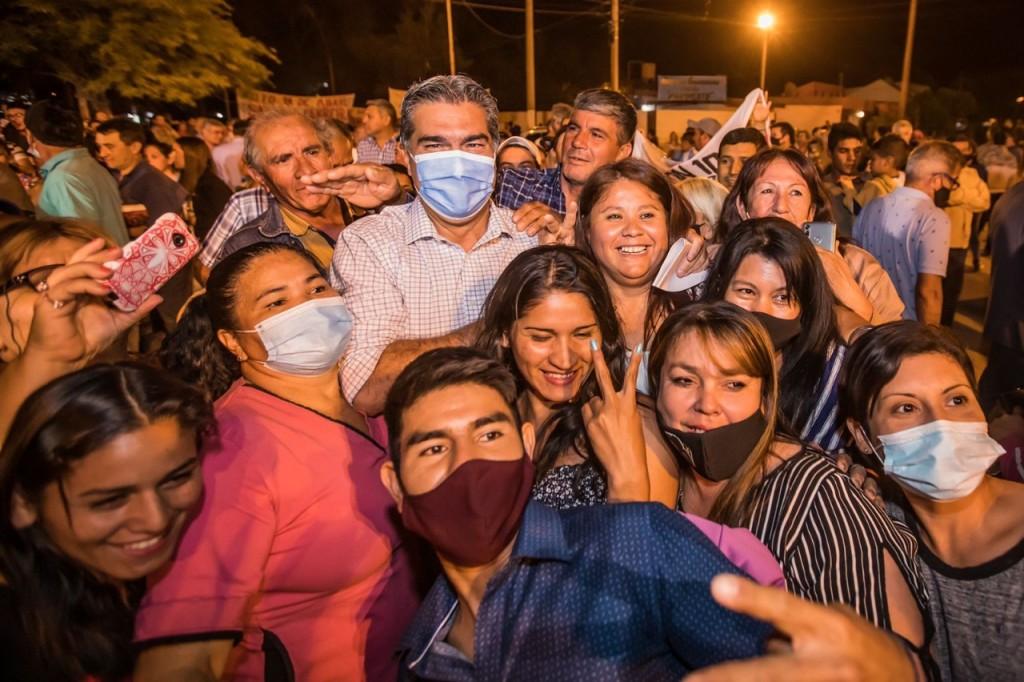 """CAPITANICH INAUGURÓ 15 CUADRAS DE PAVIMENTO URBANO EN QUITILIPI: """"DEMUESTRAN LA IMPORTANCIA DE GENERAR RELACIONES DE TRABAJO ENTRE GOBIERNOS DE DISTINTOS SIGNOS POLÍTICOS"""", REMARCÓ"""