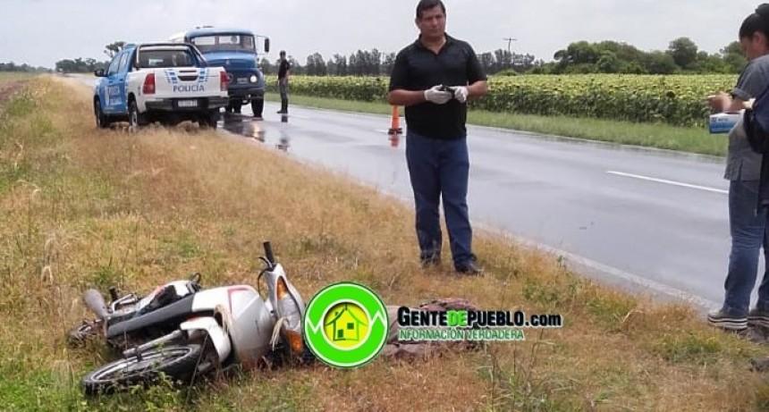 JOVEN MUERE ALCANZADO POR UN RAYO EN LA RUTA