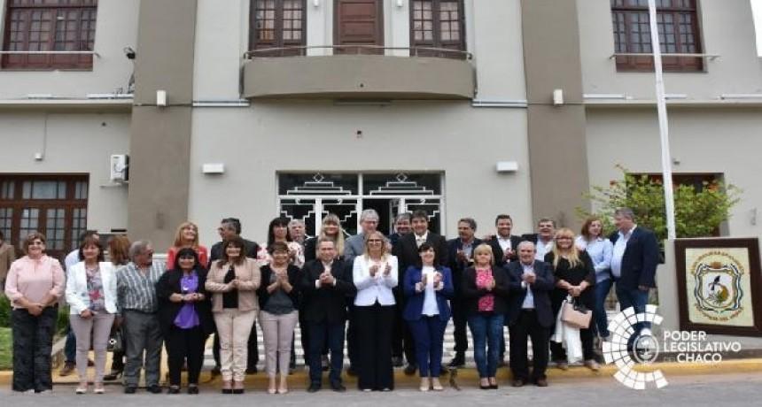 CONTINÚAN LAS ACTIVIDADES LEGISLATIVAS EN CHARATA: SALUDOS PROTOCOLARES Y RECONOCIMIENTOS