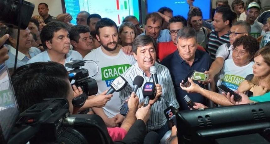 EL CANDIDATO A INTENDENTE GUSTAVO MARTÍNEZ CELEBRA UN PREMATURO TRIUNFO