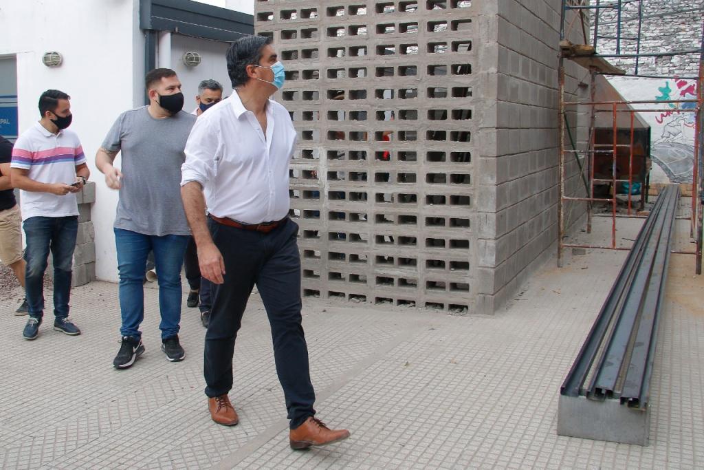 CAPITANICH SUPERVISÓ LAS OBRAS DE INFRAESTRUCTURA QUE SE EJECUTAN EN CLUBES DE RESISTENCIA