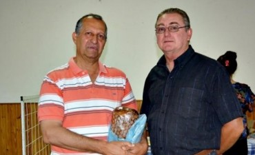 PAPP VISITÓ LA PRIMERA FERIA NAVIDEÑA ORGANIZADA POR LA SOCIEDAD HÚNGARA