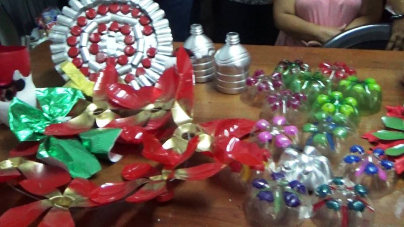 Medio ambiente trabaj en proyecto de inclusi n social de for Elaboracion de adornos navidenos