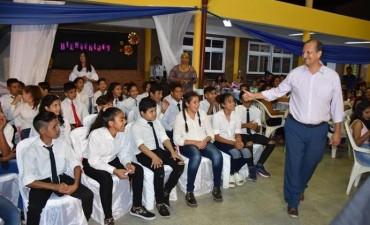 EL INTENDENTE PAPP PARTICIPÓ DEL ACTO ESCOLAR DONDE SE DESTACÓ A NIÑOS DEL PEQUEÑO HOGAR N°4