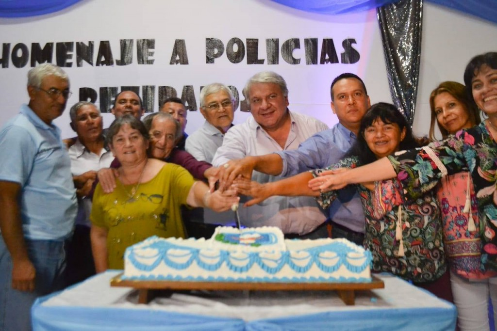 CENA HOMENAJE A POLICÍAS RETIRADOS DE SAN BERNARDO