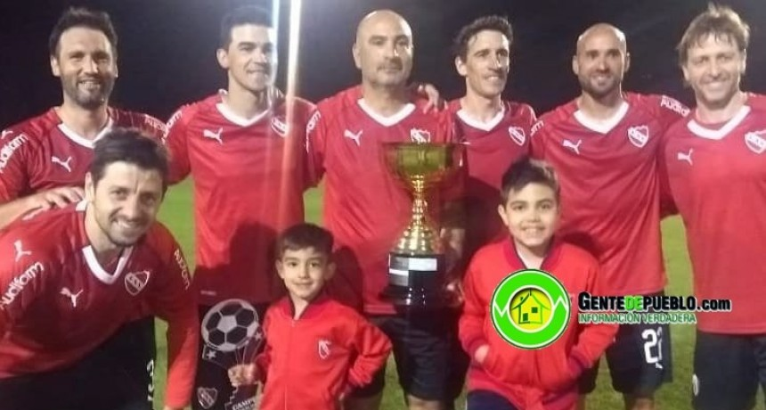 LOS HERMANOS CASARTELLI CAMPEONES CON INDEPENDIENTE EN LA SUPER LIGA CATEGORIA SENIOR