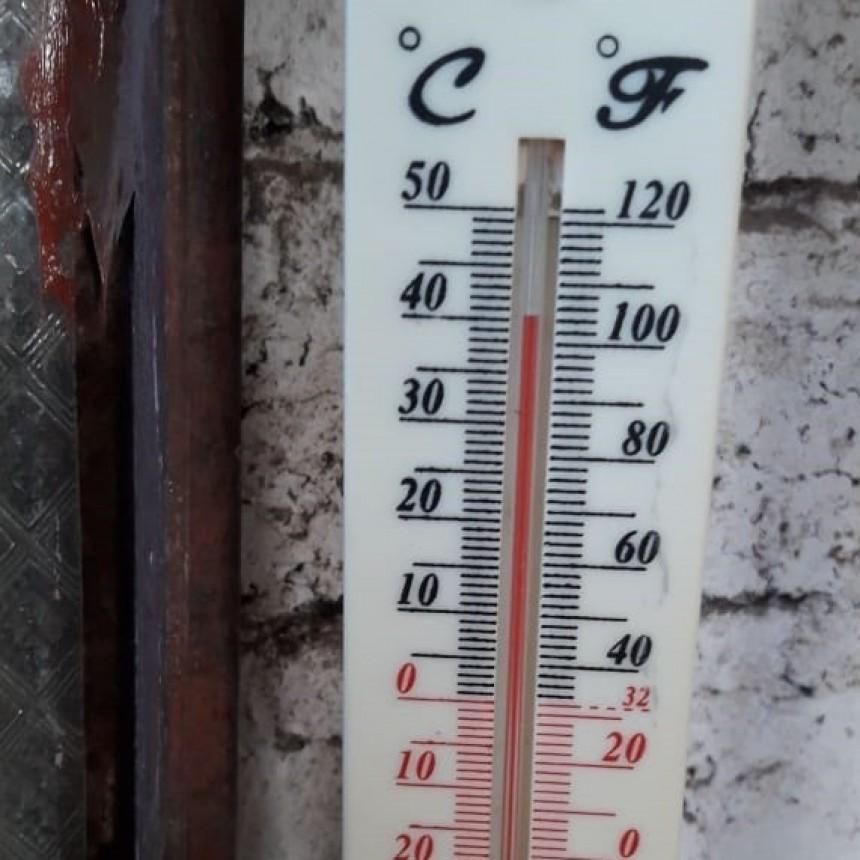 JUEVES CON UNA TEMPERATURA DE 41° EN VILLA ÁNGELA