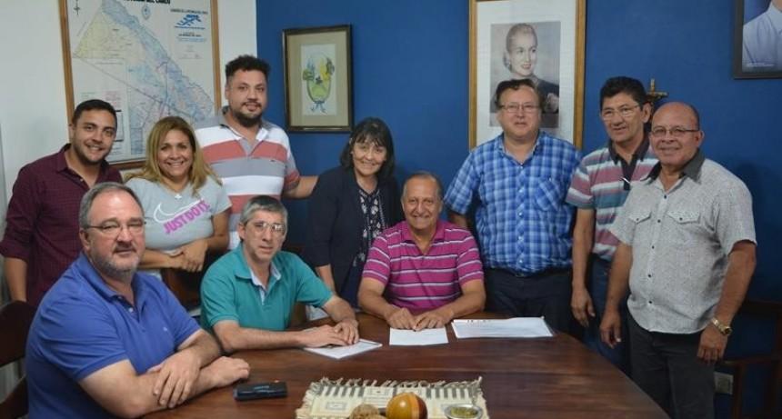 """""""HICIMOS 275 CUADRAS DE PAVIMENTO EN ESTOS TRES AÑOS"""""""