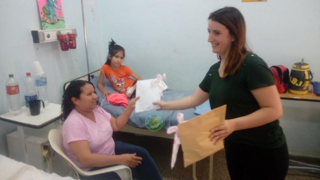 PERSONAL DE LA U.P.I ENTREGÓ JUGUETES EN EL HOSPITAL SALVADOR MAZZA